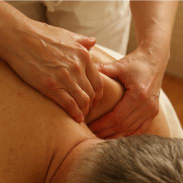 Elevbehandlingar massage